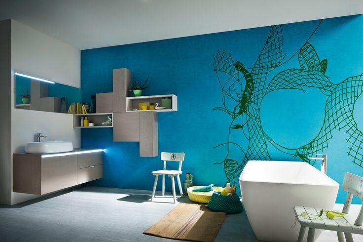 B201 Visone yose e Levante con piano in legno e lavabo tuttofuori Soap in ceramica: gioco di altezze tra pensili e elementi a giorno per rendere divertente anche il tuo bagno