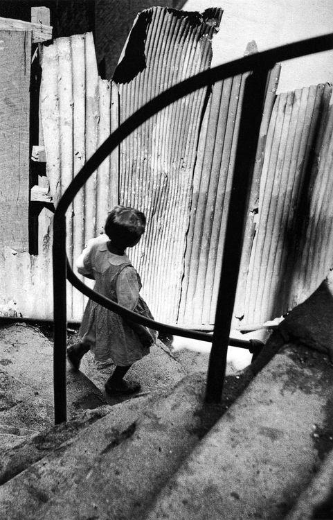 valparaíso, chile, 1952 © sergio larrain/ magnum photos, from sergio larrain: vagabond photographer