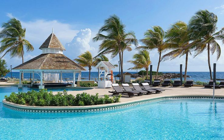 Whether you're looking to honeymoon in seclusion or bring the whole family along for a warm-weather getaway, we've narrowed it down to the best all-inclusive resorts in beautiful Jamaica. Read on to discover which is best for you.
