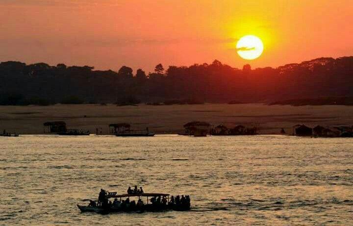 Praia do tucunaré e pôr do sol em Marabá/Pa.
