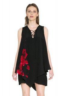 Desigual černé šaty Red Flowers Bis Rep - 2499 Kč