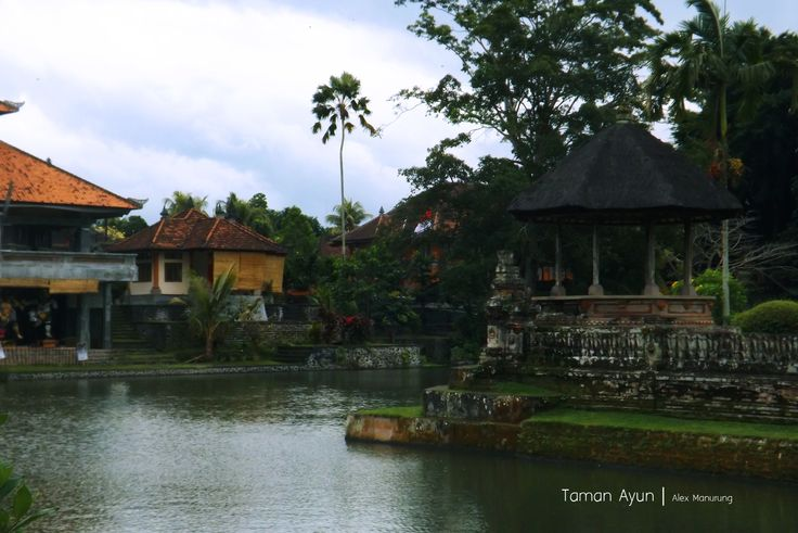 Traditional style with beautiful 'pagodas' with upto 11 roofs. #Bali