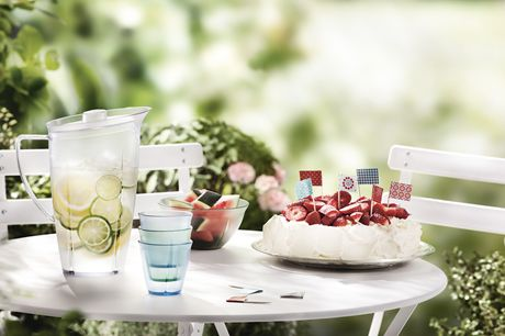 Dzbanek 1,7 l - GRAND CRU OUTDOOR clear - DECO Salon. Jug of water in a series of Grand Cru Outdoor, made of high quality transparent frosted plastic that resembles glass dish. #rosendahl #forhome #kitchen #accessories #bbq