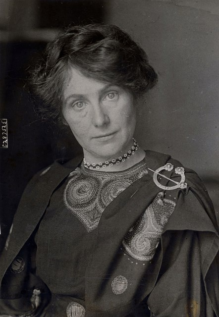 Sinéad de Valera, also known as Sinéad Ní Fhlannagáin and Sinéad Bean de Valera (3 June 1878 - 7 January 1975), was the wife of the Irish republican leader and third President of Ireland, Éamon de Valera.