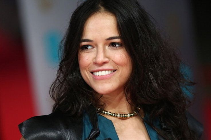 http://www.whosay.com/articles/10555-michelle-rodriguez-eats-mouse-video