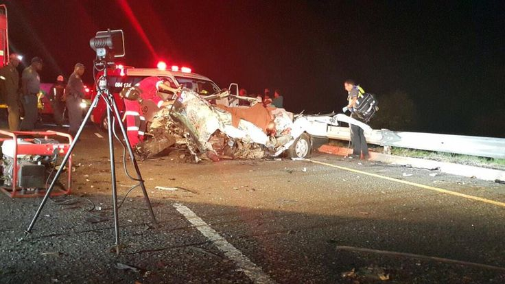Crash outside Bandfort 3 fatalities,2 moderate injuries,. 2 minor injuries @hgroenewald1985