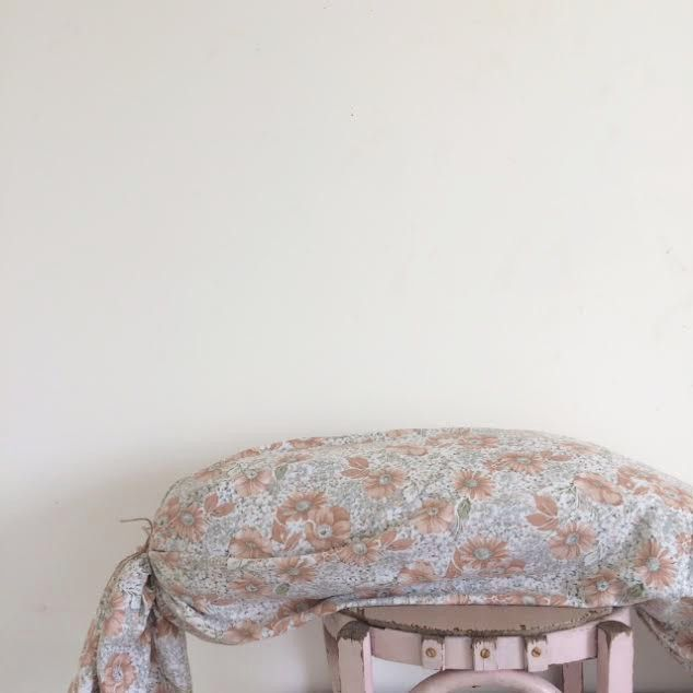 Taie de traversin Anthémis [40cmx2m10] via un lundi ordinaire. Click on the image to see more!