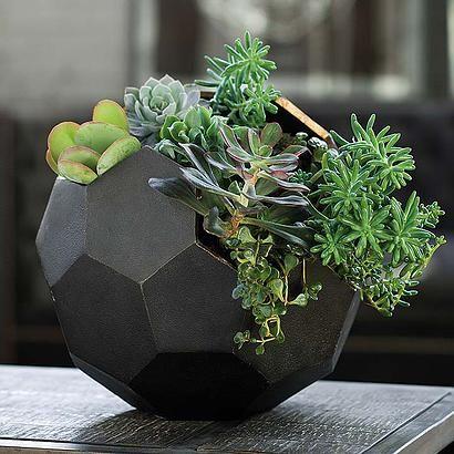 grgfurniture | Floreros  Polyhedron Black Vase