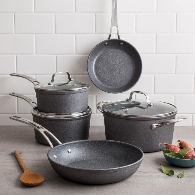 The Rock.TEC unique manufacturing process uses small steel pellet impact technology to modify the surface to form an ultra durable rock-like finish. The result is an outstanding release performance, 3 times better than traditional non-stick cookware.