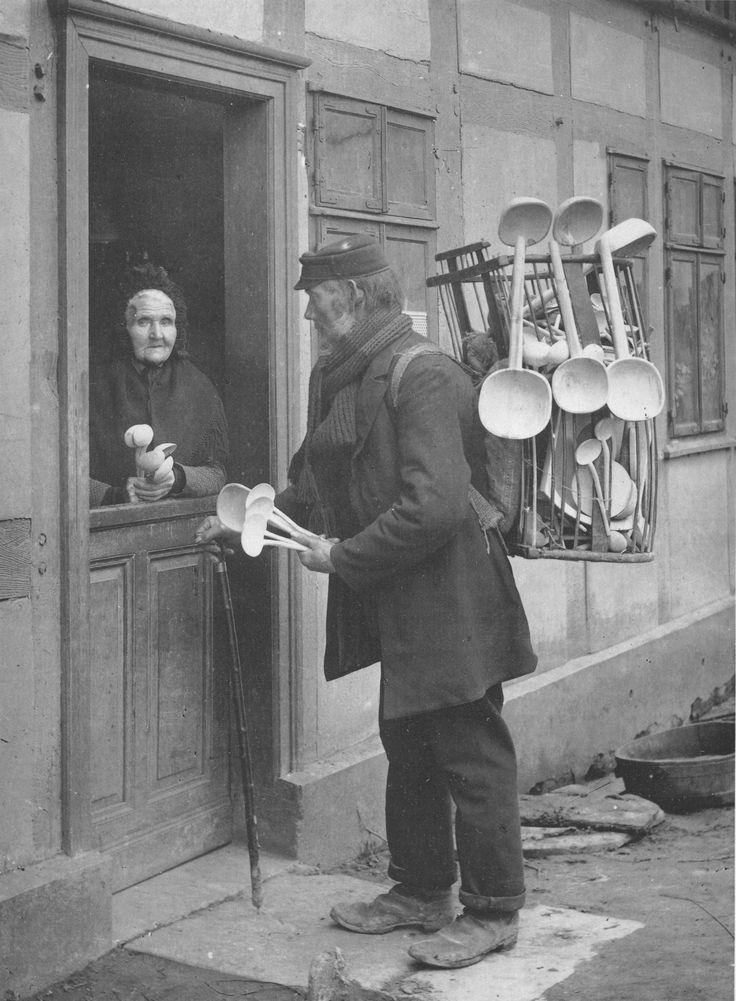 Schaeffer-Holzwarenhaendler-1905.jpg (2393×3256)