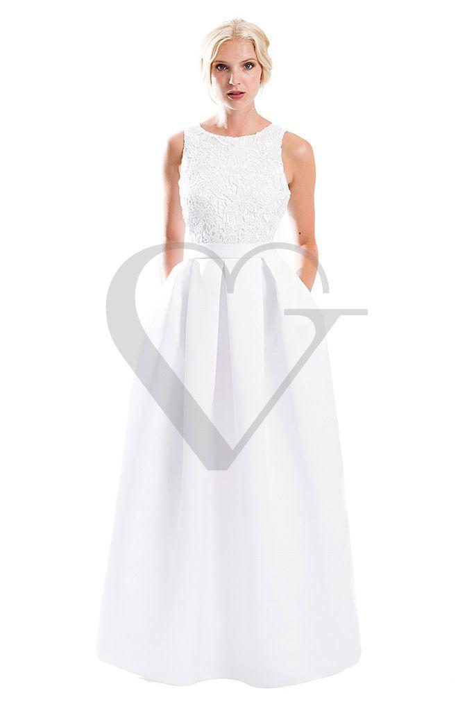 Vestido de novia largo de Veneno en la Piel. Modelo 0390 cuerpo en blonda, falda lisa con pliegues a la cintura y bolsillos. Cintura marcada. Precio económico.