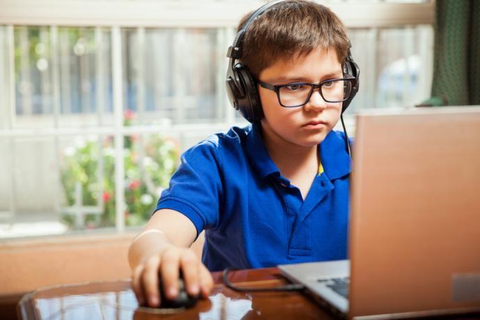 Trénovanie mozgu videohrami pomáha slabozrakým deťom vidieť lepšie