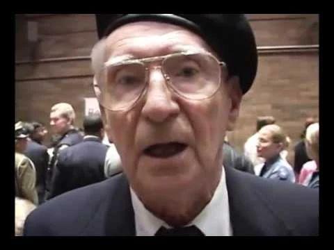 Ofiara Auschwitz mówi prawdę o Auschwitz - YouTube