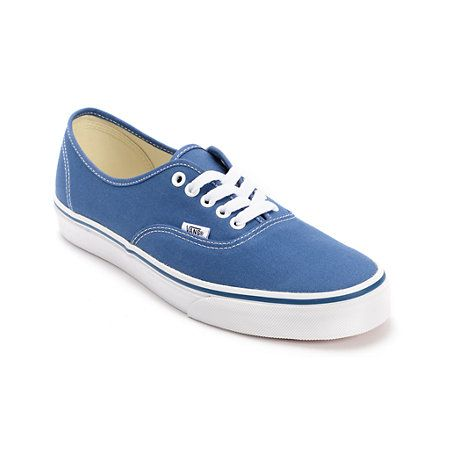 Stick to the 1966 Vans Shoe classics with the Authentic navy canvas shoes. With it's simplistic lo-profile silhouette, comfortable and casual vulcanized construction, and infamous Vans styling, you can add the Authentics to your collection of Vans Classic