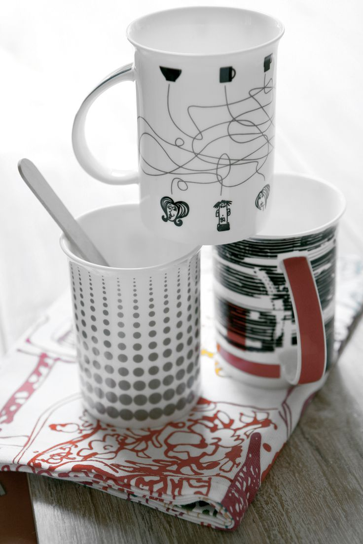 Pois and black stripes mugs