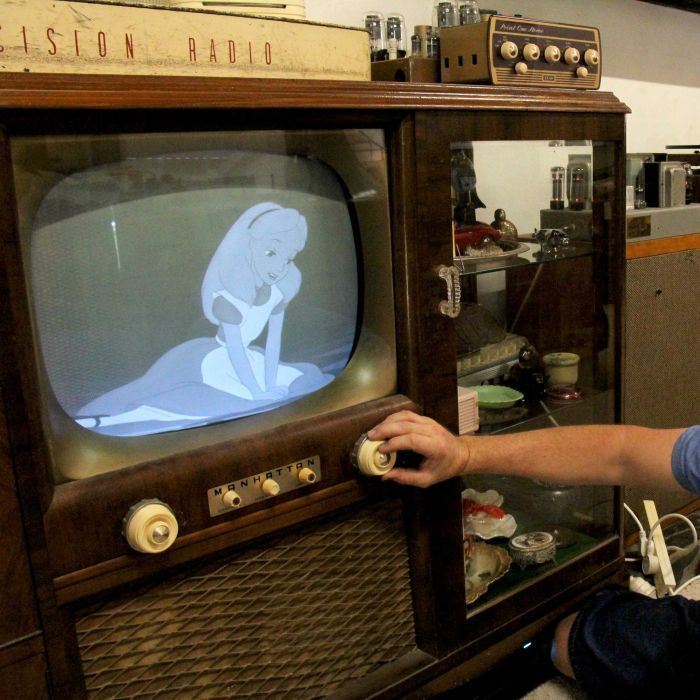 Toby Croce of Queensland's Sunshine Coast is an avid collector of vintage electronics. (Image: Giulio Saggin/ABC News)