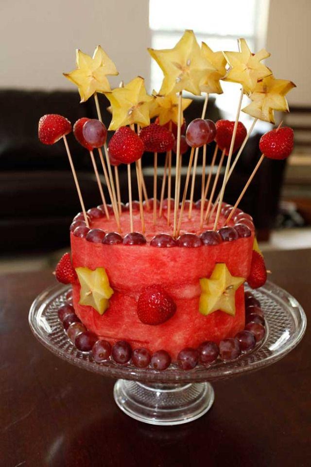 watermelon cake! how fabulous #birthday party # Fruit # Healthy #low in calories #diet # Vegetarian #Postre torta de sandia espectacular postre sano pastel