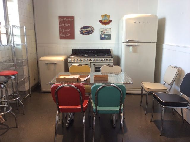 17 migliori idee su cucina anni 39 50 su pinterest cucine vintage cucina di ristorante anni 39 50 - Cucina stile anni 50 ...