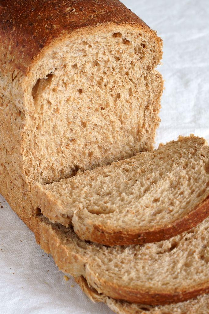 Celozrnný chlieb zo šľahaného cesta