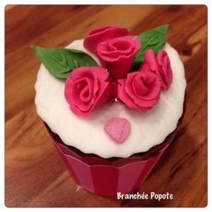 Cupcake, gateau d'anniversaire  Cake design avec des fleurs Flower  Décoration en Pate à sucre
