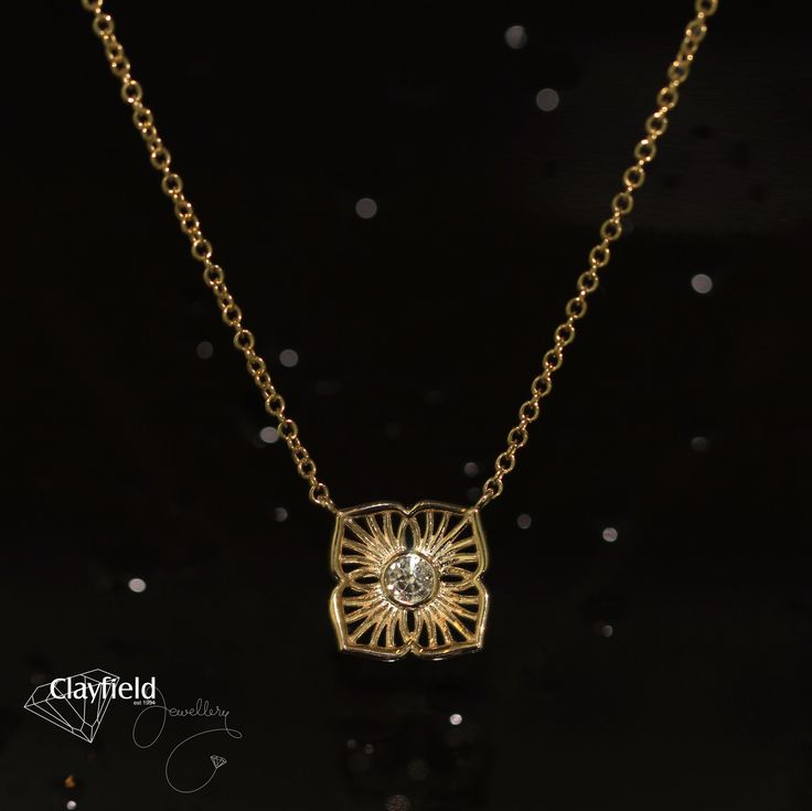 Beautiful gold and diamond flower necklace