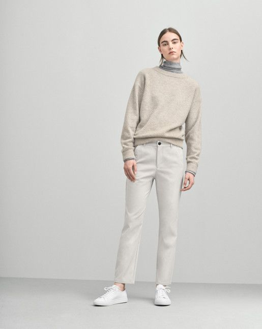 Loose fit classic knitted pullover in soft wool alpaca stretch knit. Soft and calm melange colours in sophisticated hues.  <br><br> - Wool Alpaca mix knit<br> - Loose fit<br> - Generous sleeves<br><br>  The model is 179cm and wears size S.