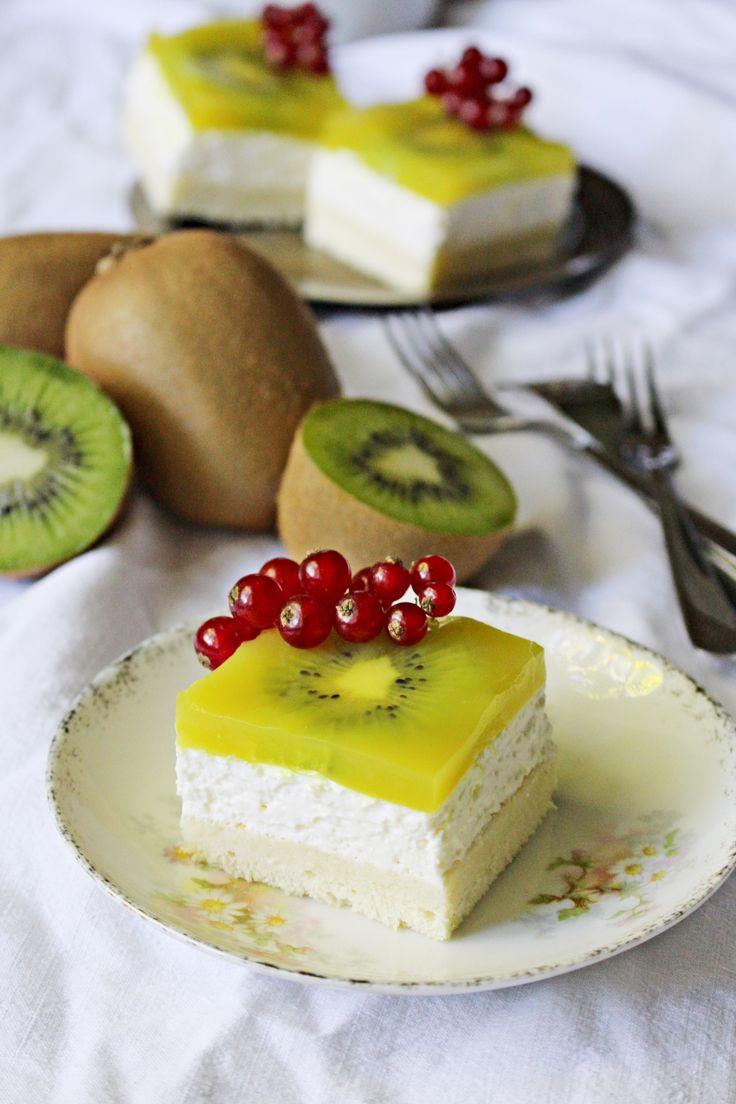 Tarta de kiwi con crema de nata agria :: Kiwi řezy s krémem ze zakysané smetany