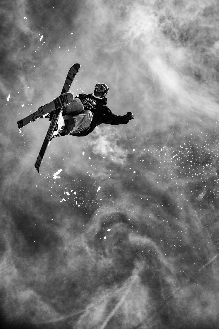 Skiing, Action