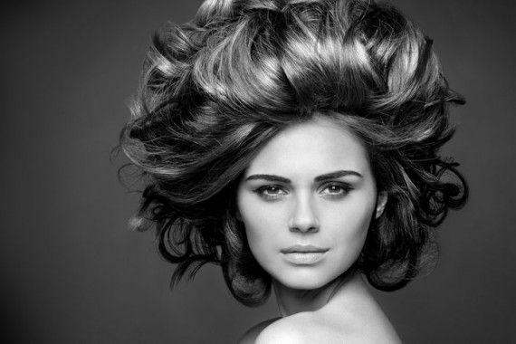 Прикорневой объём волос http://sovjen.ru/prikornevoy-obyom-volos  Каждая девушка мечтает о пышных волосах, и при их укладке старается достичь максимального объёма. Когда волосы прямые и тонкие, плотно прилегающие к коже головы, нужного объёма тяжело добиться. Однако, если подобрать правильную стрижку, цвет и научиться правильно сушить и укладывать волосы, то все проблемы с недостающим объёмом легко решить. Существуют и альтернативные методы создания прикорневого ...