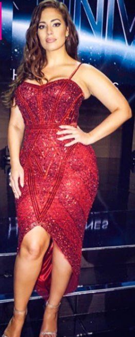Ashley Graham in Theia co-hosts the Miss Universe pageant. #bestdressed