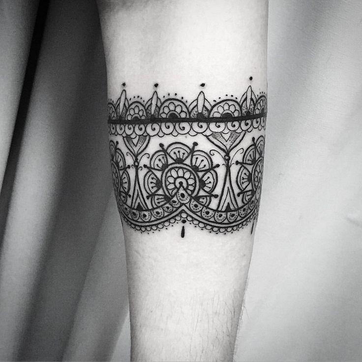 A tattoo ornamental de Carol!!! Mto obrigafo e até breve!!! Contato para…