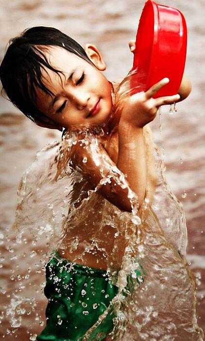 .: Kids Plays, Water Plays, Water Fun, Travel Photos, Travel Tips, Health Tips, Joy Children, Bath Time, Photography Kids