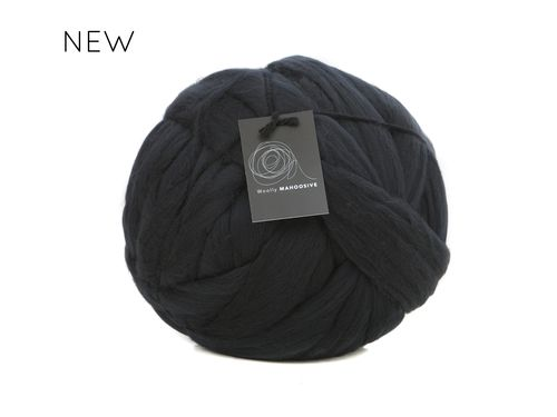black super chunky giant merino yarn extreme knitting big wool yarn.jpg