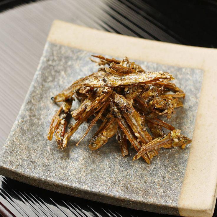 【基本のおせち】祝い肴のひとつ「香ばし田作り(ごまめ)」 - macaroni
