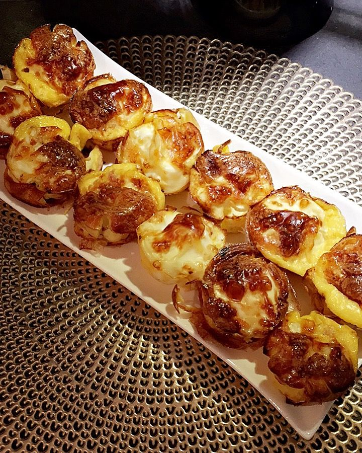 Omelette cupcakes with vegetables and cheese