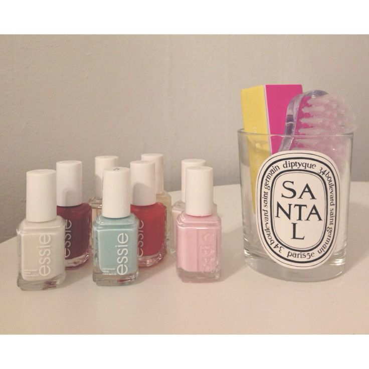 don't throw away your used candle...create a chic go-to nail station! #visualtreasurehunt
