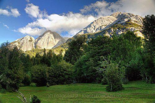 Trinidad y Cia. - Valle de Cochamo (Patagonia - Chile)