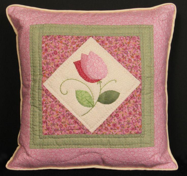 for bird Pillow & 120 best Quilting - patterns: pillows images on Pinterest ... pillowsntoast.com