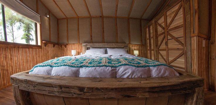dormitorio rustico cabaña acantilado #construcciones sustentables #puerto varas #reciclaje #maderas recicladas #spa