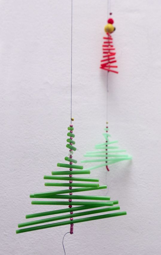 Mobile Sapin de Noël en pailles.