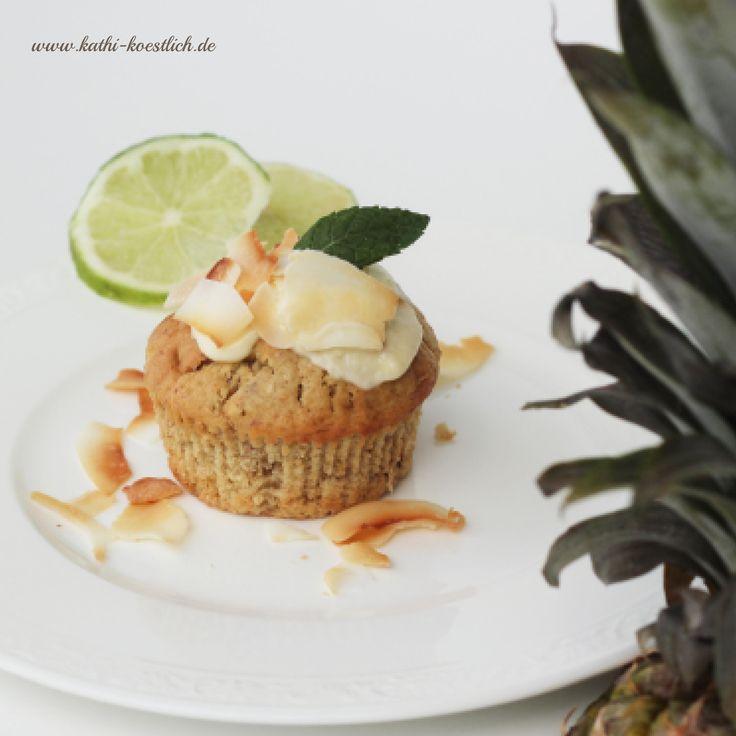 Ananas-Kokos Cupcakes mit Limetten Topping