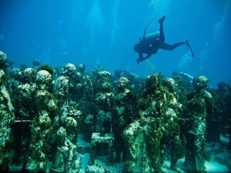 swimming in Cancun