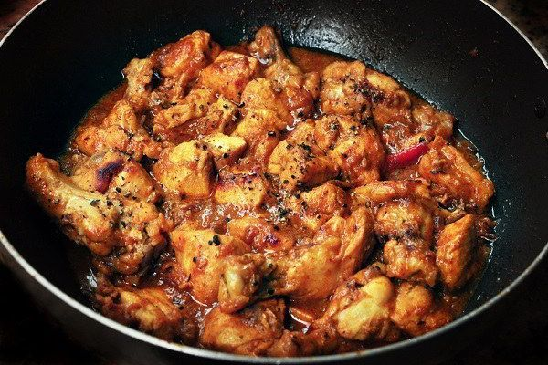 Chinese black pepper chicken recipe - A quick recipe to make but that reminds you of restaurant-like black pepper recipes. Definitely a must-try.
