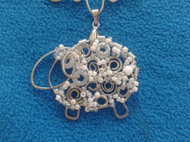 Wire & beads