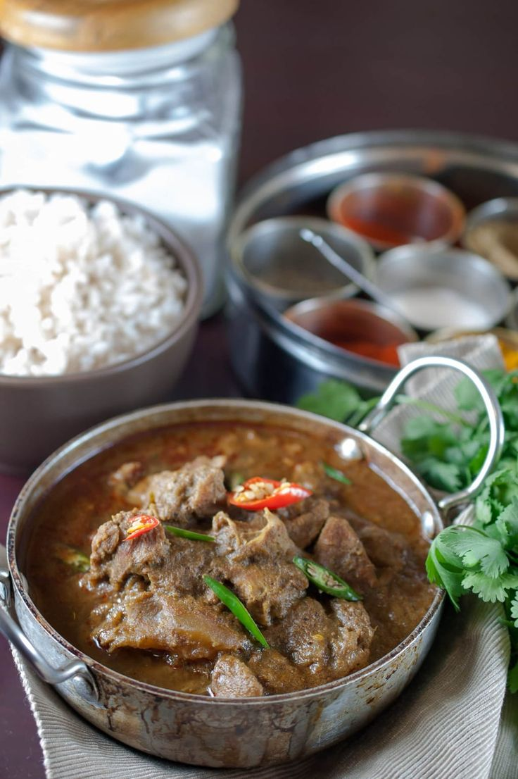 This is a easy and delicious Kerala style beef curry. It goes well well with ghee rice, appam, parotta, puttu and chappathi.
