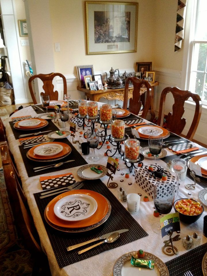 i really like the graphic contrasts and the monogramed plates - Halloween Place Settings