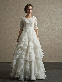 Yazmina - trapezio manicotto mezzo abito da sposa in pizzo con applique - EUR €278,97