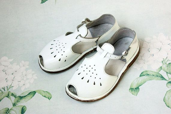 ddc7caa52174f RESERVED --------> USSR Leather Sandals / 1960's White Perforated T ...