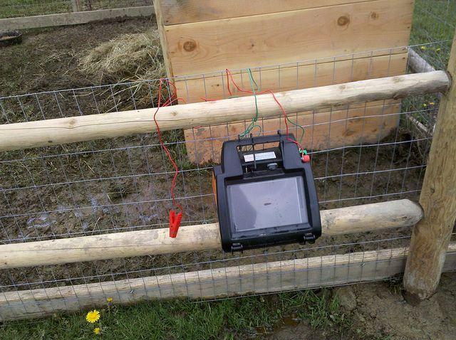 Solar electric fence
