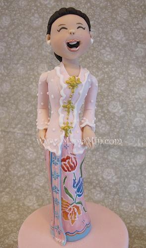 Nyonya lady in baju kebaya